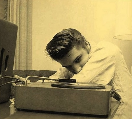 31626-Elvis-Listening-To-Music